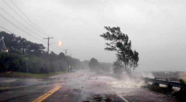 К чему снится ураган или сильный ветер толкование по сонникам