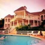 Популярные толкования: к чему снится большой дом?